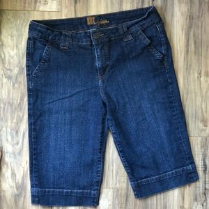 Kut from the Kloth Dark Wash Capri Jeans 12